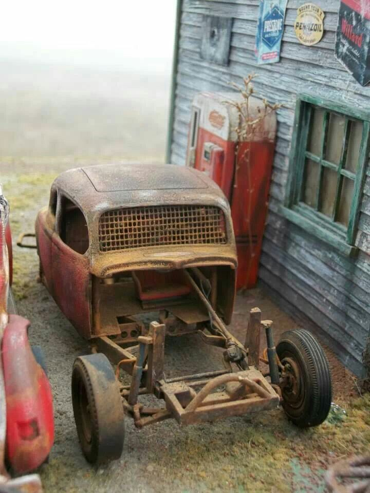 Nice diorama of early modified race car shop | Plastic Fanatic