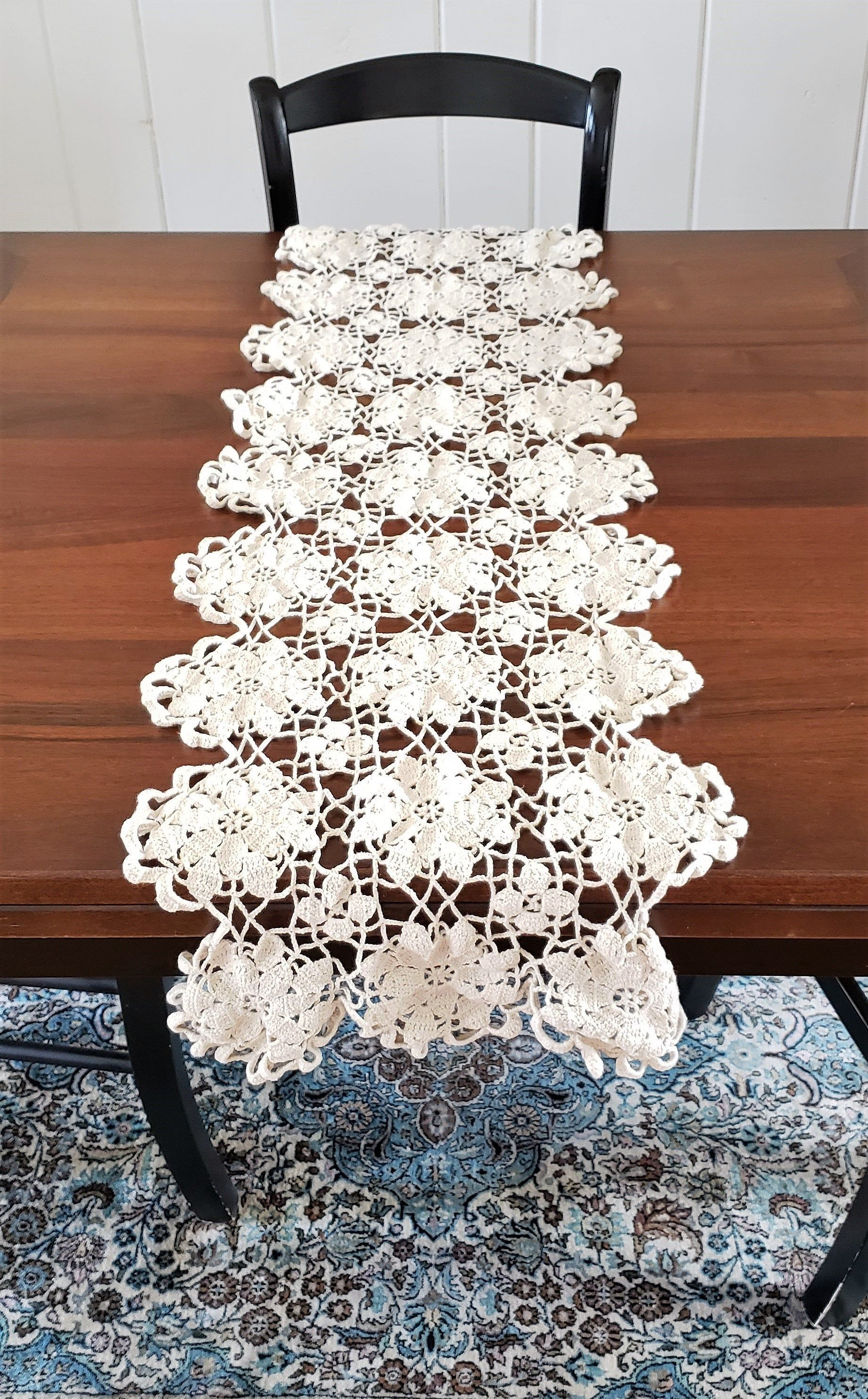 Boho Crochet Vintage Table Runner In 2020 Vintage Table Runner
