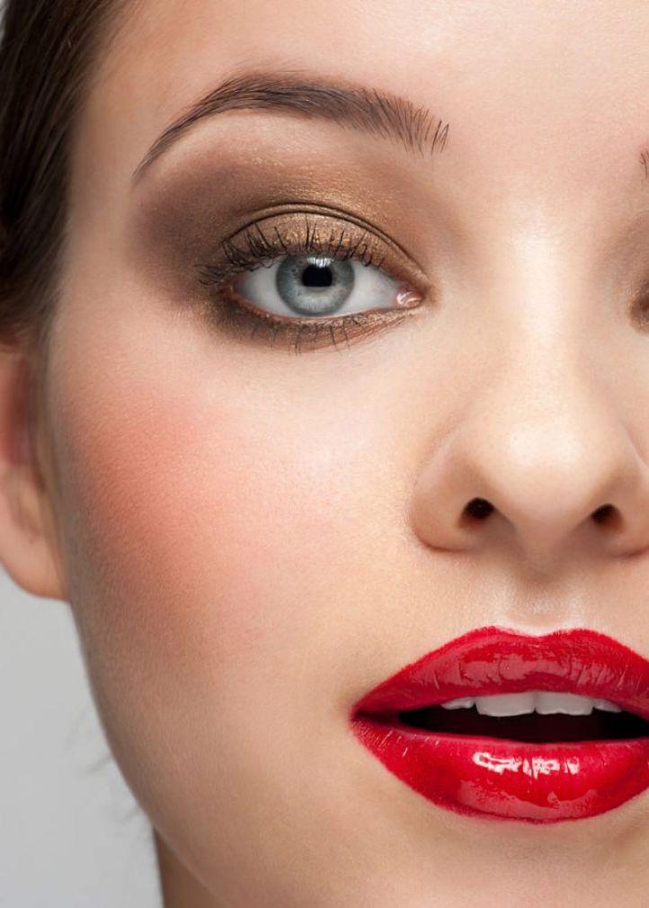 𝕜𝕖𝕝𝕝𝕪𝕤𝕥𝕖𝕝𝕝𝕖𝕣𝟙𝟙 Gold Eye Makeup Red Lip Makeup