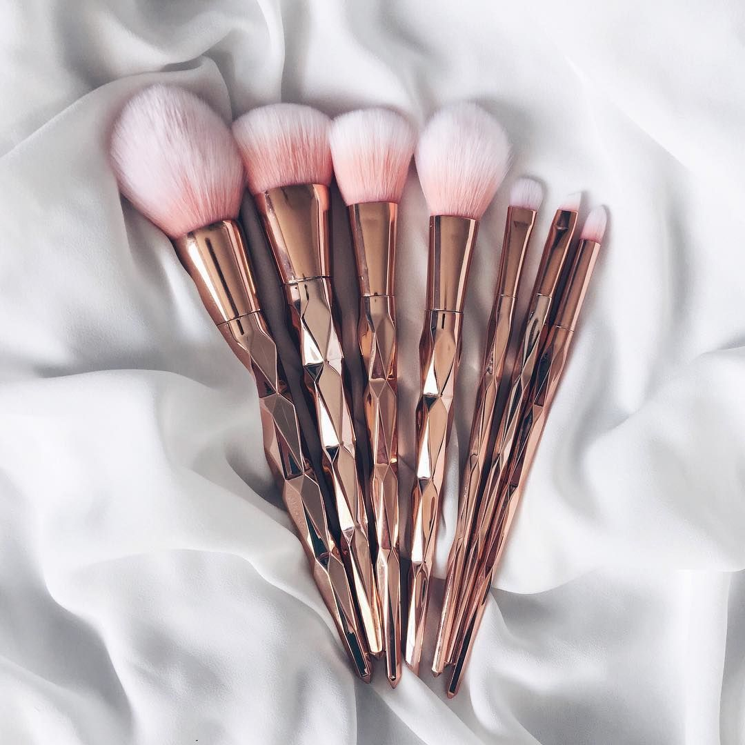 pinterest mnnxcxx Rose gold makeup brushes