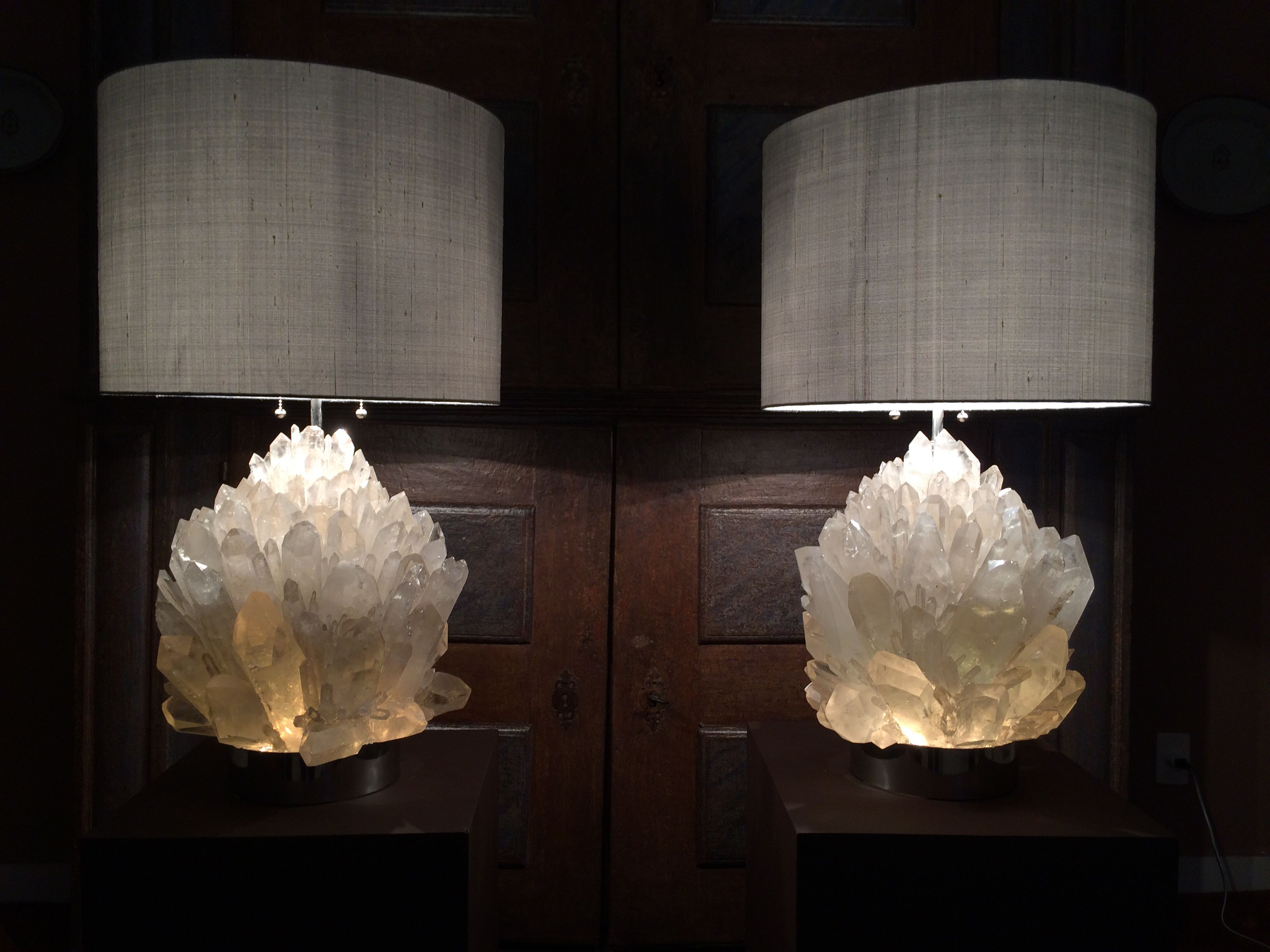 Rock crystal lamp 34 kg each design and build by demian for Rock lamp