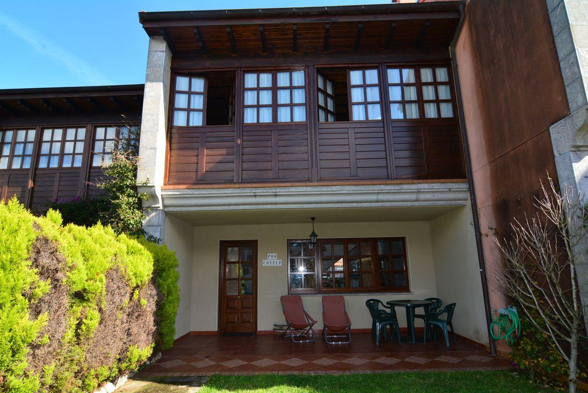 Casa adosada de dos plantas y bajocubierta, con jardin al sur, en ...