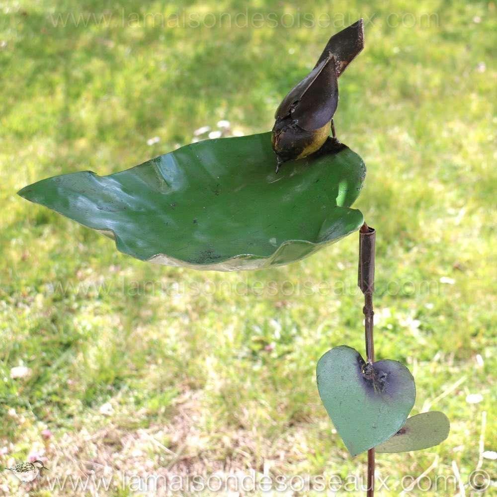 Bain abreuvoir decoratif pour oiseaux piquer garden deco jardin abreuvoir oiseaux - Oiseaux metal pour jardin ...