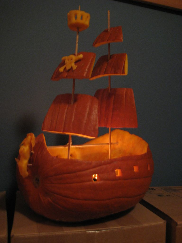 Pirate ship | side view of my pirate ship pumpkin | erindean ...
