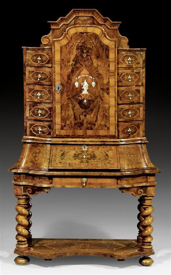 stollen tabernakelschrank mit monogramm barock braunschweig um 1730 teils sp ter nussbaum. Black Bedroom Furniture Sets. Home Design Ideas