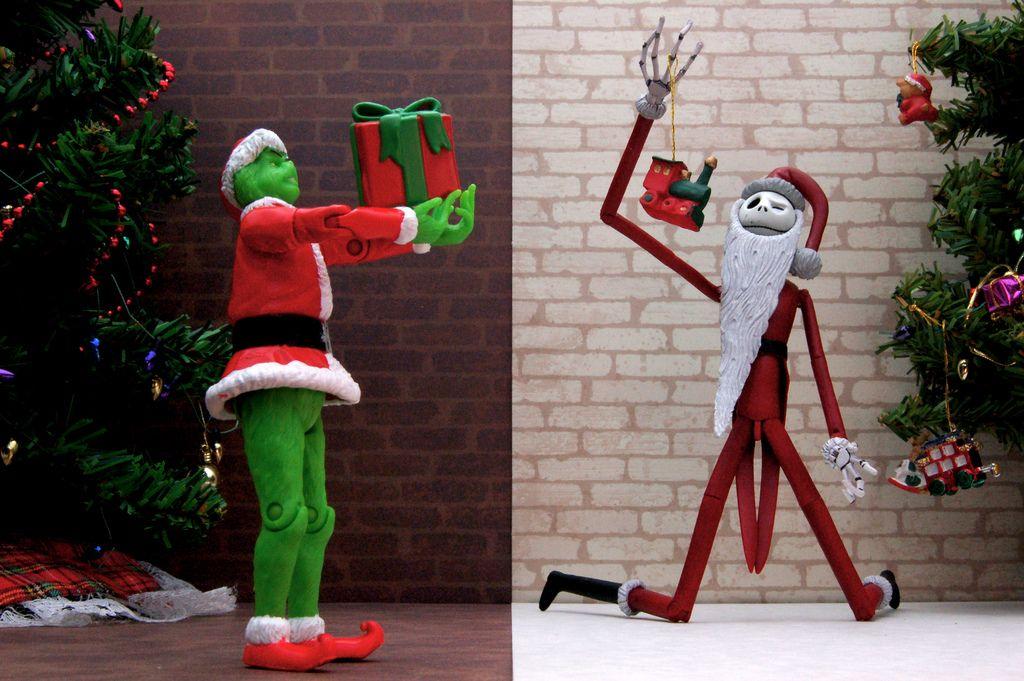 Santa Grinch vs. Santa Jack Skellington (359/365) Jack