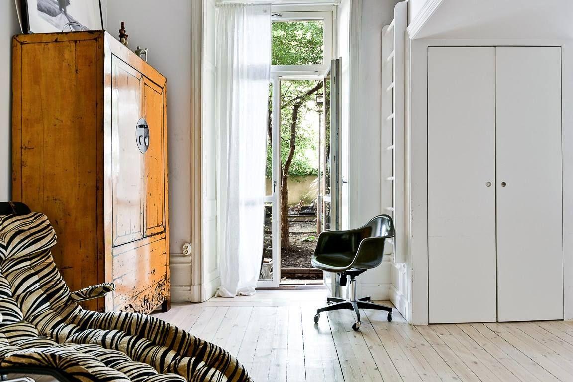Fiecare colț al acestui apartament de58 m² din Suedia are un detaliu, un obiect, un accent interesant și inedit.