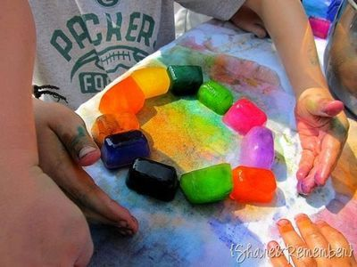 ice cube paints made with kool-aid. how fun! Perfect for a hot summer day.
