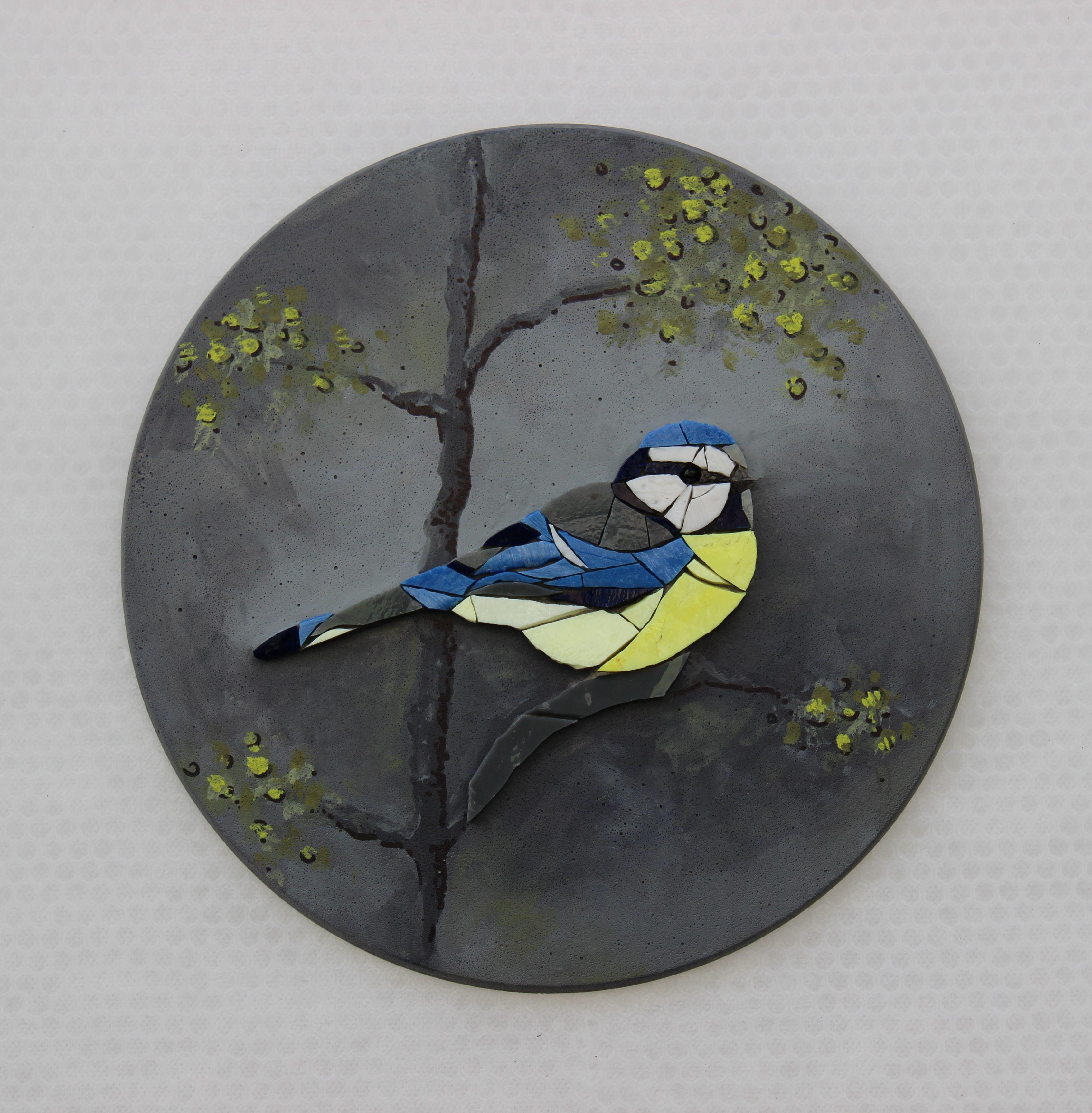 AGATHE, mosaic wall art, round wall art, bird, robin, mosaic bird round painting, mosaic, glass painting, curiosity cabinet