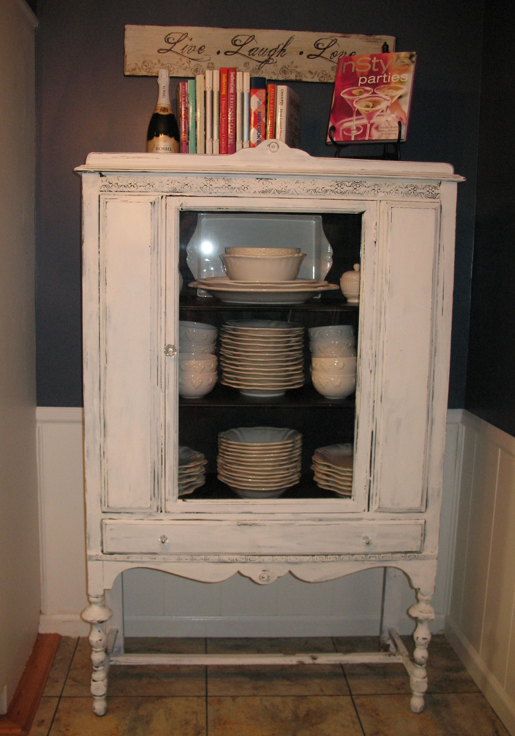 Shabby Chic China Cabinet I Love Antique Looking Things Shabby Chic Dresser Shabby Chic Bathroom Shabby Chic Furniture