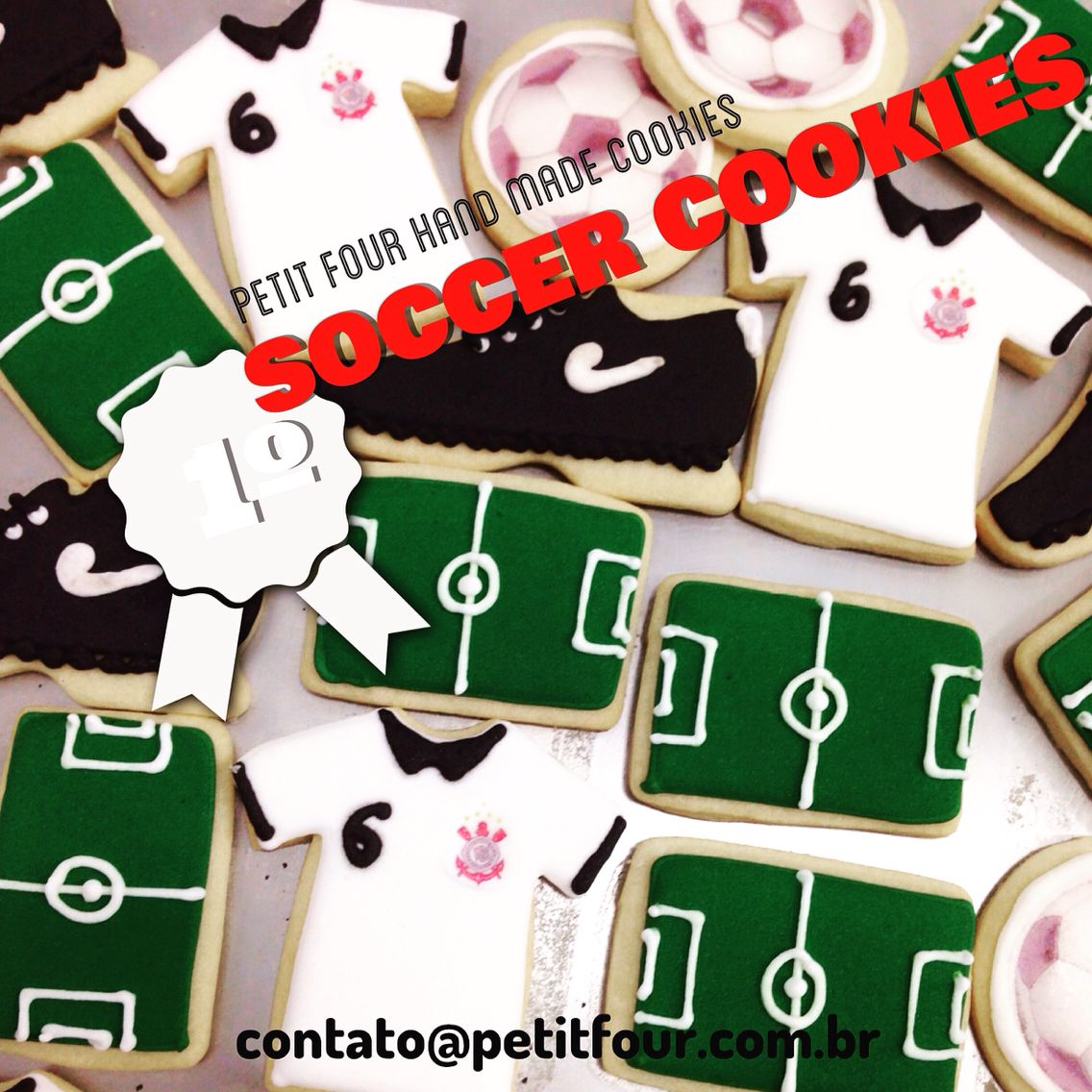 Biscoitos personalizados de futebol. Soccer decorated cookies.
