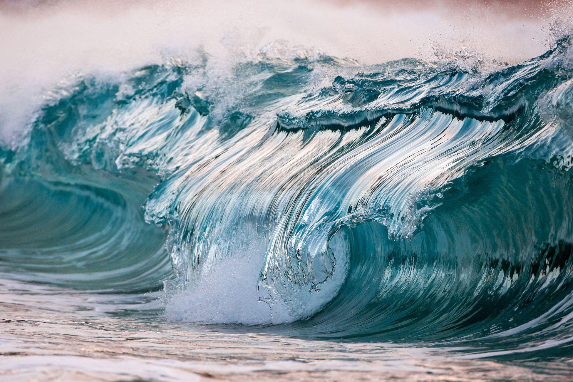 Pierre Carreau - Photographer Esculturas líquidos: Poderosas olas Fotografiado por Pierre Carreau parecen congelados en el tiempo por Christopher Jobson en 02