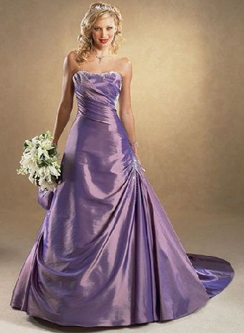 lavender wedding dress | Idk about lavender for a wedding dress but ...