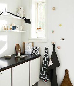 No os podéis perder este blog con ideas geniales para sacar partido a nuestra cocina aunque sea pequeña. ¿Cuéntanos cómo te organizas tu?