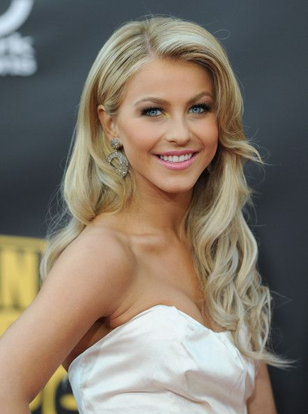 More Pics Of Julianne Hough Retro Hairstyle Makeup