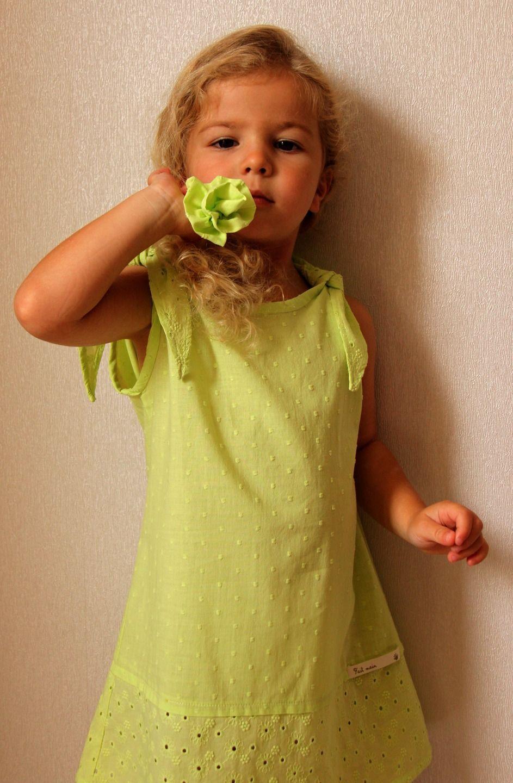 4e757d6209e robe coton vert anis broderies et plumetis pour printemps été très mode    Mode filles