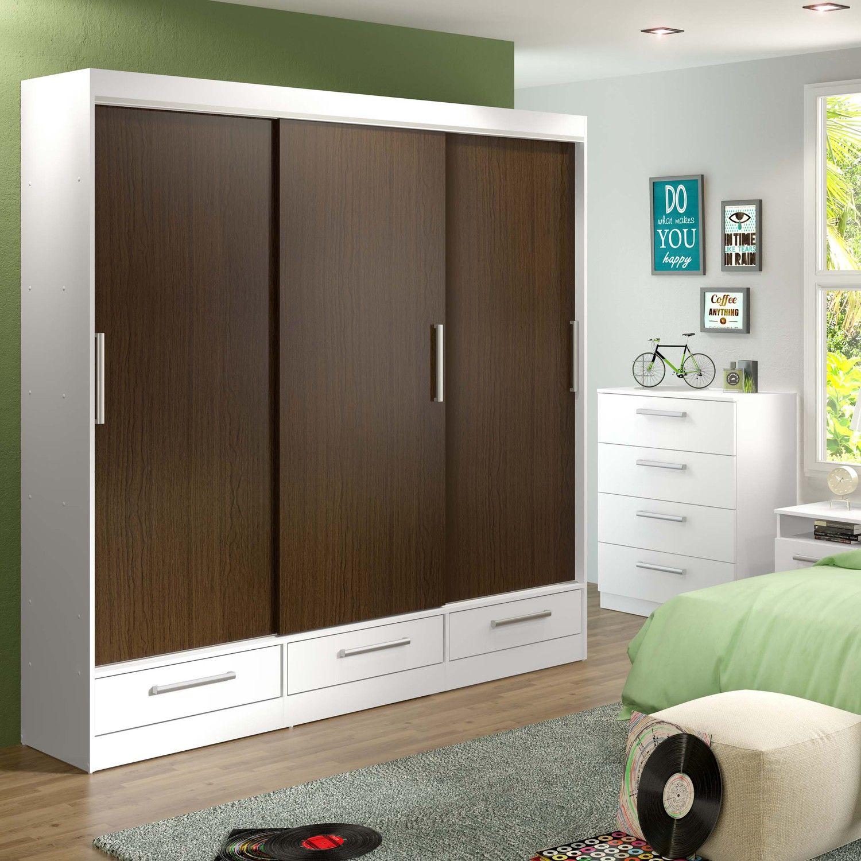 Porta de correr além de garantir um toque moderno na decoração, é ideal para ambientes pequenos por ocupar menos espaço.