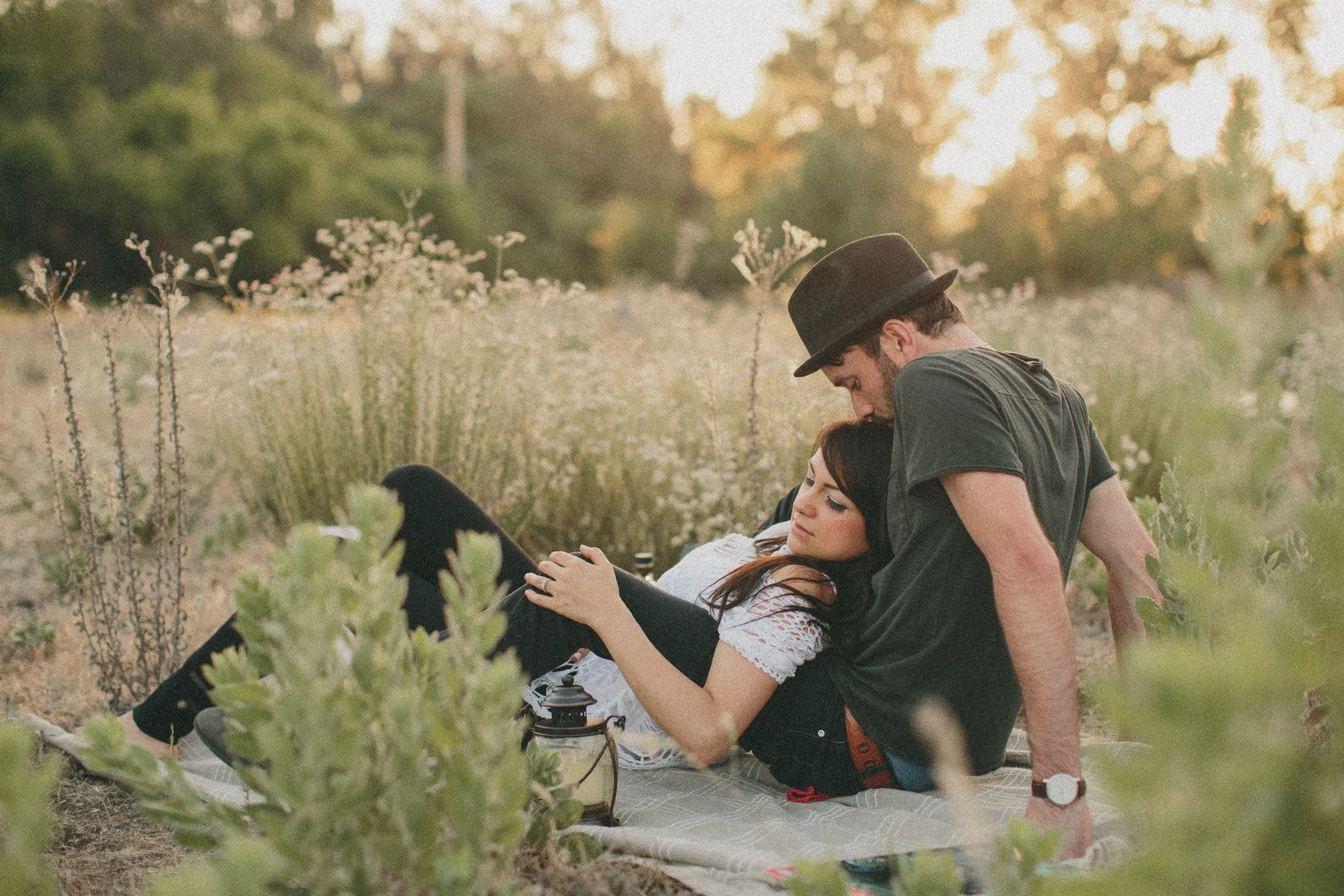 Hipster Wedding Photography: Hipster Picnic, Engagement Session. Style Wedding