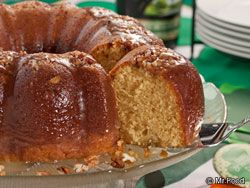 Irish Cream Cake - OMG I just saw this recipe on the news with Mr. Food, this sounds so good!!