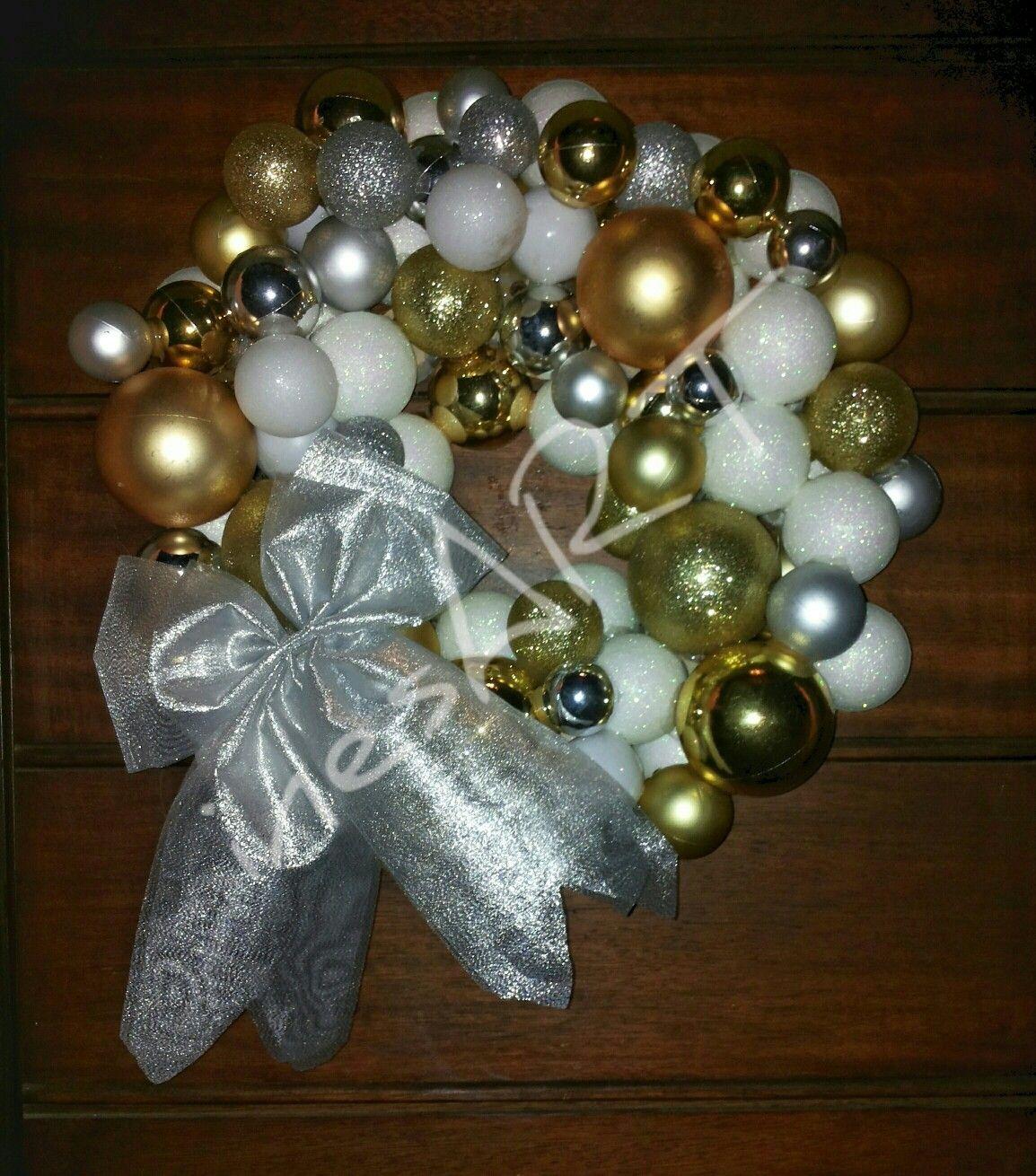 Photo of Christmas wreath   Ghirlanda  natalizia / fuoriporta natale