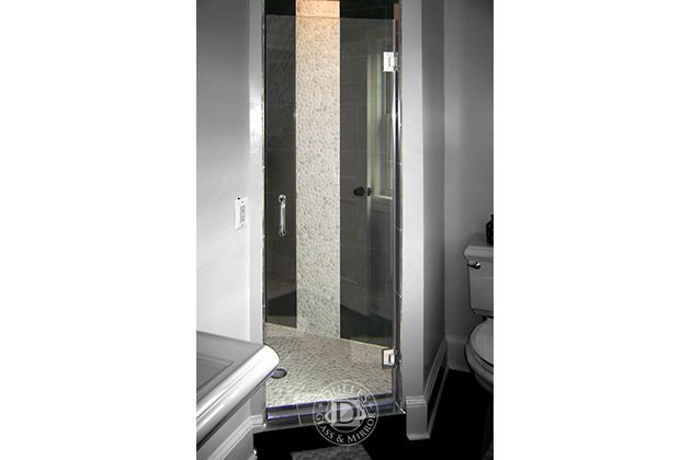 This Glass Shower Door Has Single Door Shower Frameless Shower Doors Chrome Finish Clear Glass Tubular Handle Zeus Style F Frameless Shower Doors Shower Doors Frameless Shower