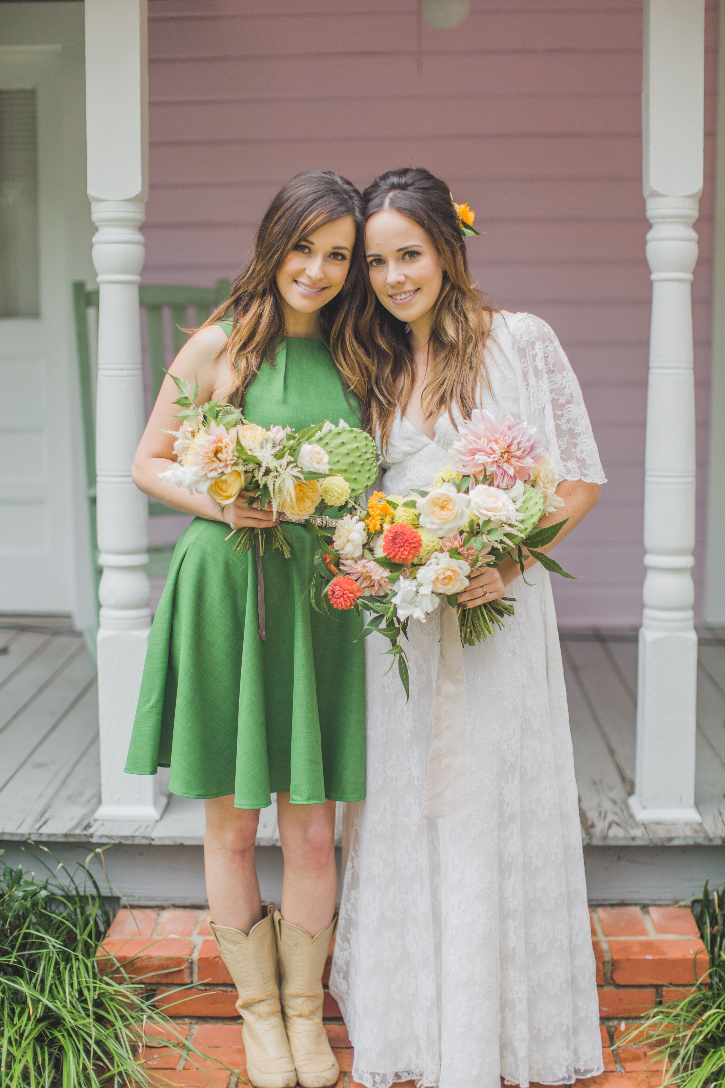 Kelly and kacey musgraves gostei pinterest kacey musgraves kelly and kacey musgraves green bridesmaid dressesplanning ombrellifo Gallery