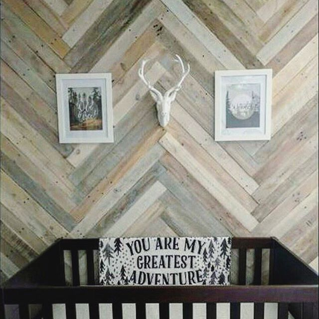 Herringbone Wood Pallet Wall Is An Amazing Accent Wall For