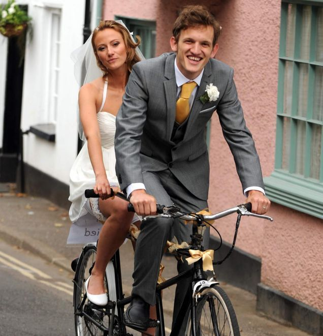 Tandem wedding couple #tandem #bicycle #bicycles