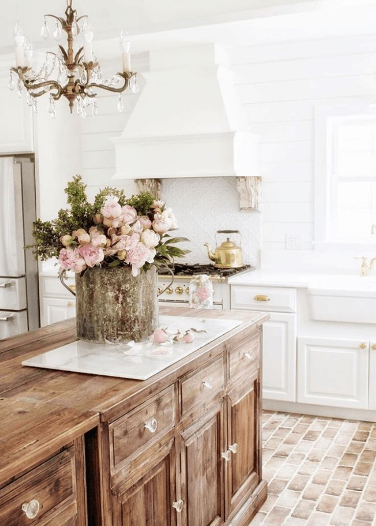 Photo of Vintage Home – Simply French Market Tour – shabbyfufu.com – #French #Home #Marke…