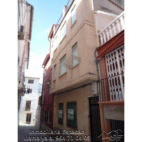 Alquiler apartamento amueblado en calle Carmen de Navajas. Compuesto ...