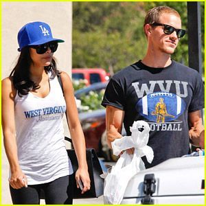 Naya Rivera & Husband Ryan Dorsey Root For WVU Mountaineers #wvumountaineers Naya Rivera & Husband Ryan Dorsey Root For WVU Mountaineers #wvumountaineers