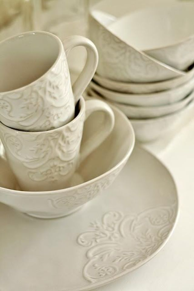 White embossed dinnerware and mugs! & Pin by Lizaveta Seleda on Like u2022 home | Pinterest | Dinnerware