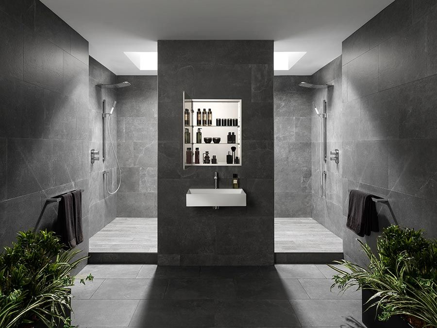 ↠ Less is more ↞ The importance regarding organisation in the #bathroom #bathroomdesign #interiordesign