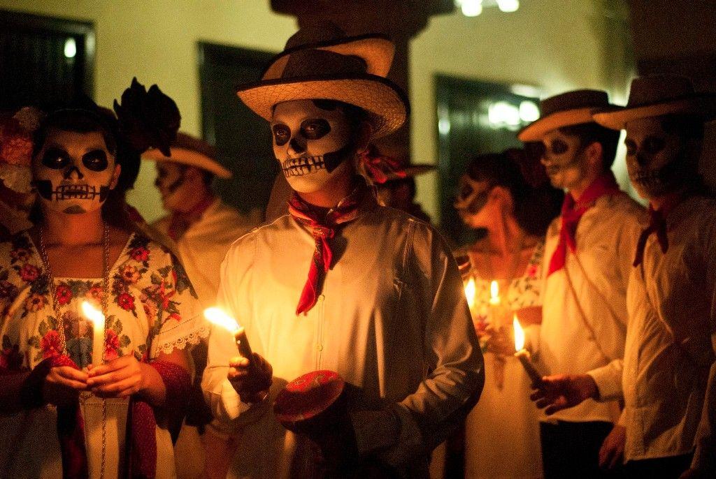 Las Tradiciones Mexicanas Más Valiosas Cultura Colectiva Dia De Los Muertos Dia De Muertos Día De Muertos Wallpaper