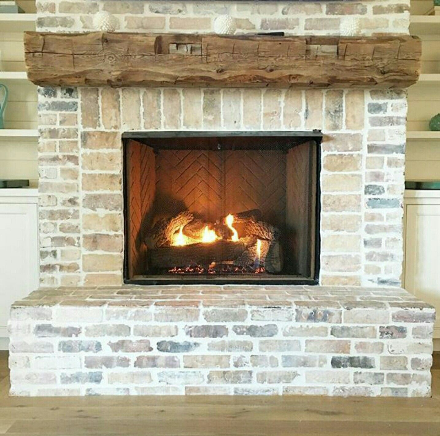 Lime Wash Brick Fireplace Limewash On Brick Farmhouse Living Room With Brick Striking White