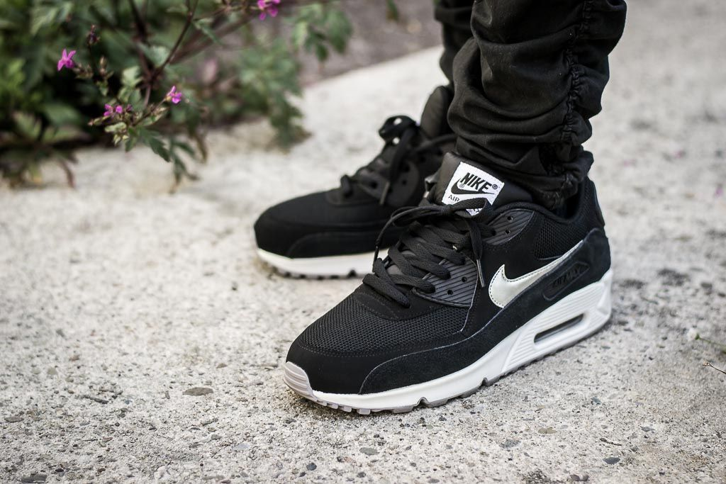 buy online 4606f 9b4d2 Air Max 90 Essential Black & Silver On Feet Sneaker Review ...