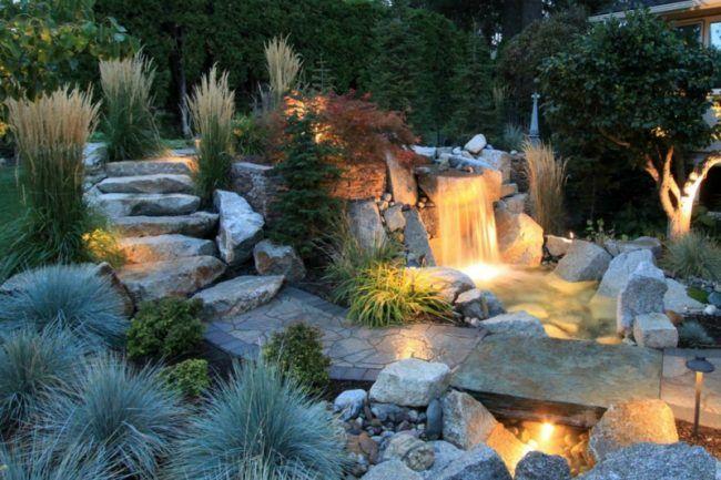 Wasserfall-Gartenteich-Bachlauf-Beleuchtung-Gartenweg-Naturstein - bilder gartenteiche mit bachlauf