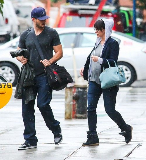Jennifer Love Hewitt And Fiance Brian Hallisay Break Up Over His Drinking Report Jennifer Love Jennifer Love Hewitt Cute Celebrity Couples
