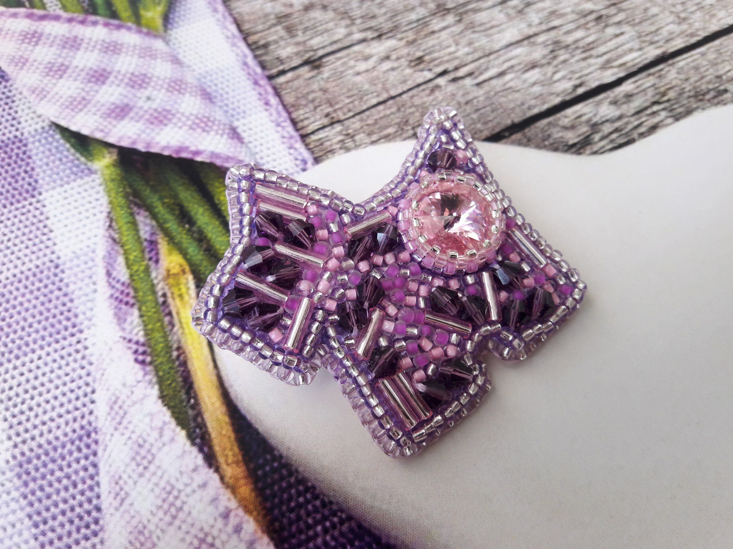 handmade pin brooch floral beaded bead jewelry purple butterfly embroidery