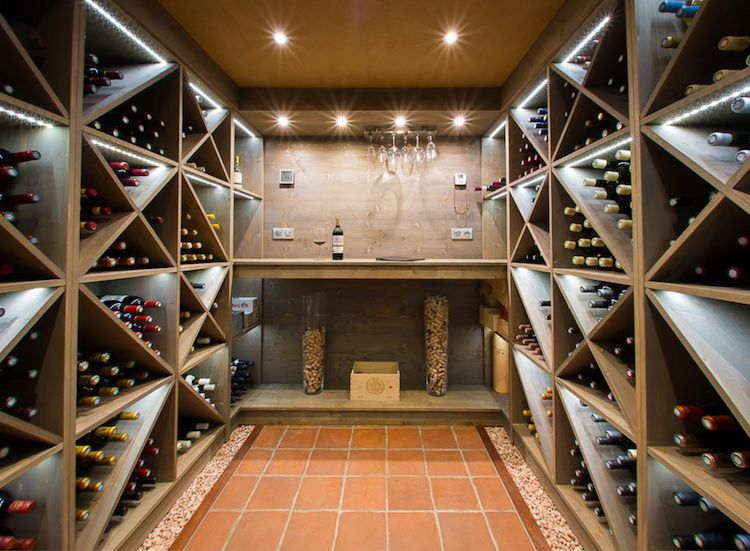 Weinkeller bauen modern gestalten weinregale weinkorken design zuk nftige projekte - Weinkeller einrichten ...