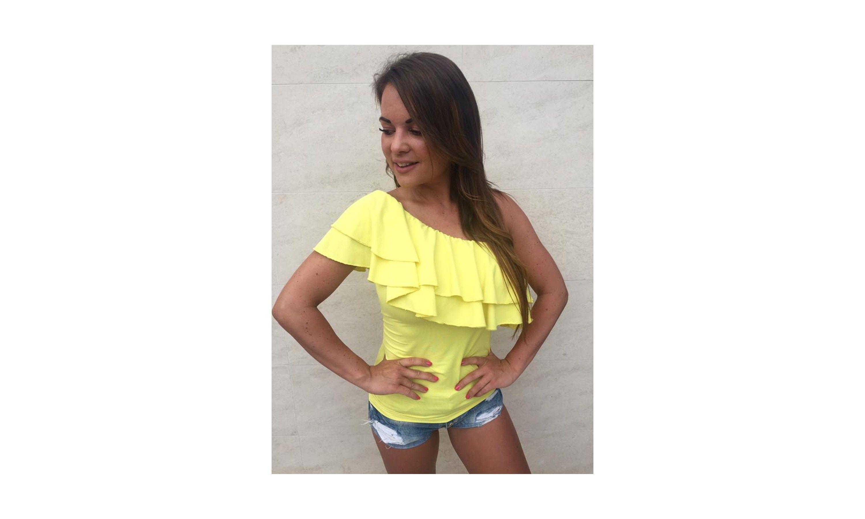 Félvállas felső sárga ejtett vállú felsők webshop - Ruha webáruház - Női  Ruha Webáruház e4101b7562