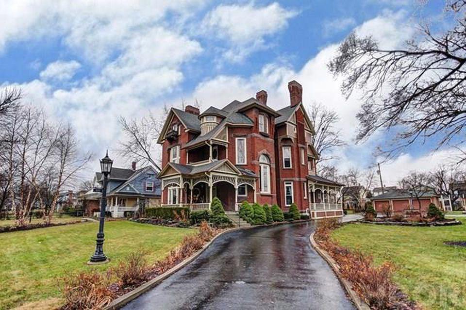 1110 Hurd Ave Findlay Oh 45840 Mls 136282 Zillow Victorian Homes Exterior Findlay Ohio Findlay