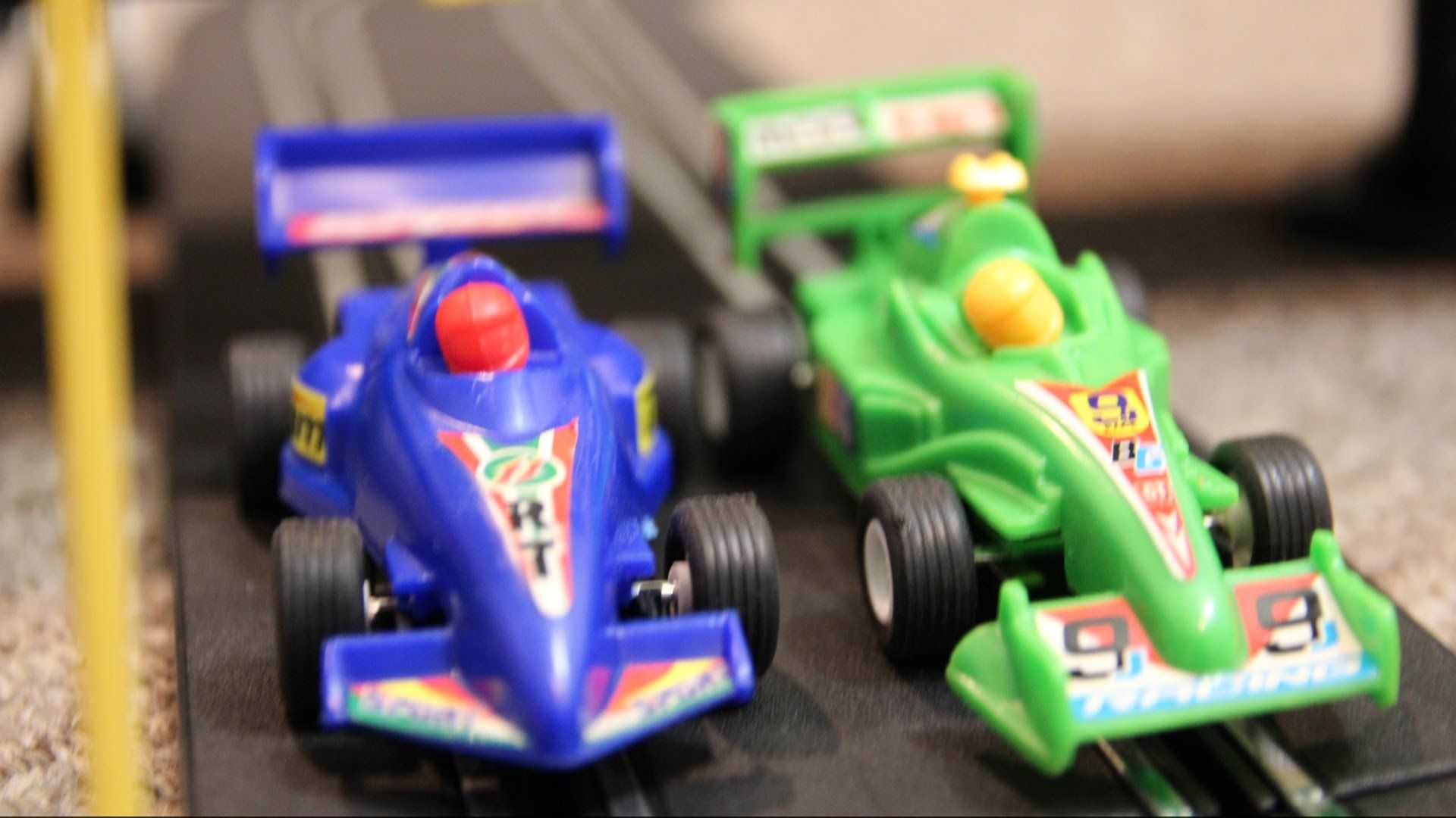AWESOME RACE CAR TRACK Speed Way TOYS Crash RACING ACTION ...