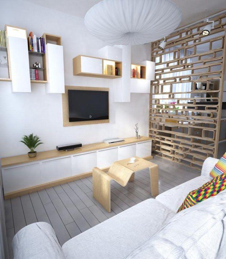 Kleines wohnzimmer mit m beln in wei und hellem holzton for Wohnideen kleines wohnzimmer
