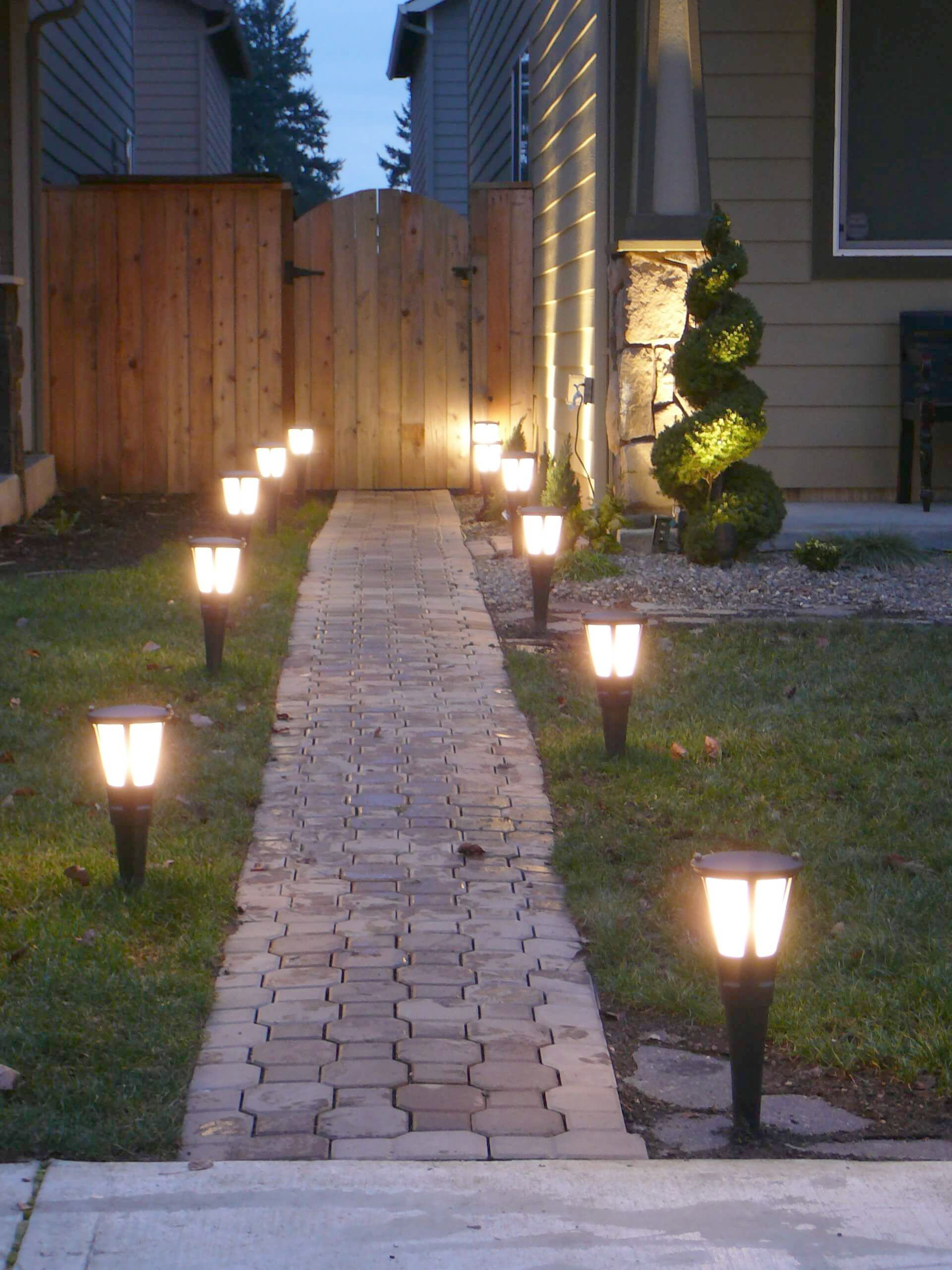 Things That You Need To Know About Landscaping Landscape Lighting Kits Landscape Lighting Outdoor Landscape Lighting
