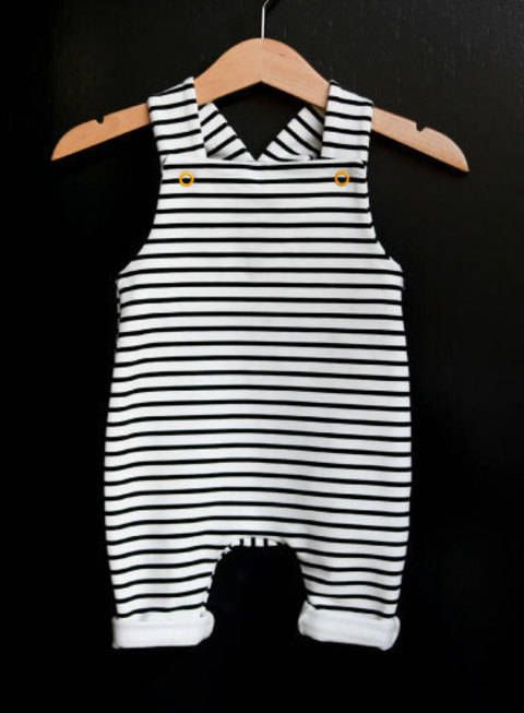 Photo of Sewing patterns and sewing instructions / baby dungarees at Makerist