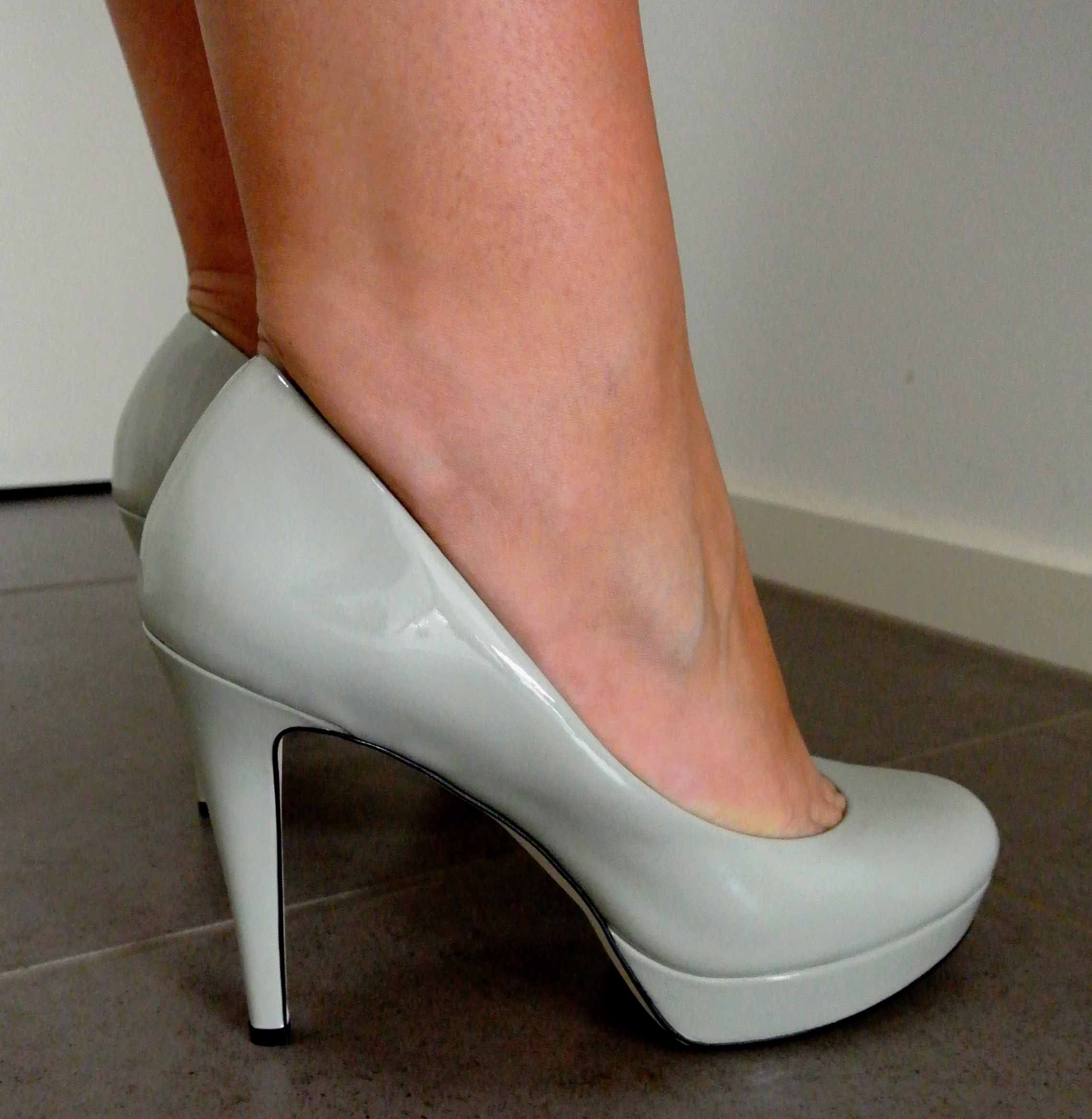 Light Grey shoes with the mint dresses. Can be open toed if preferred