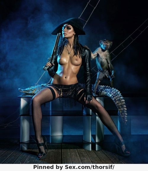 nude-pirate-babe-breast-cyst-pictures
