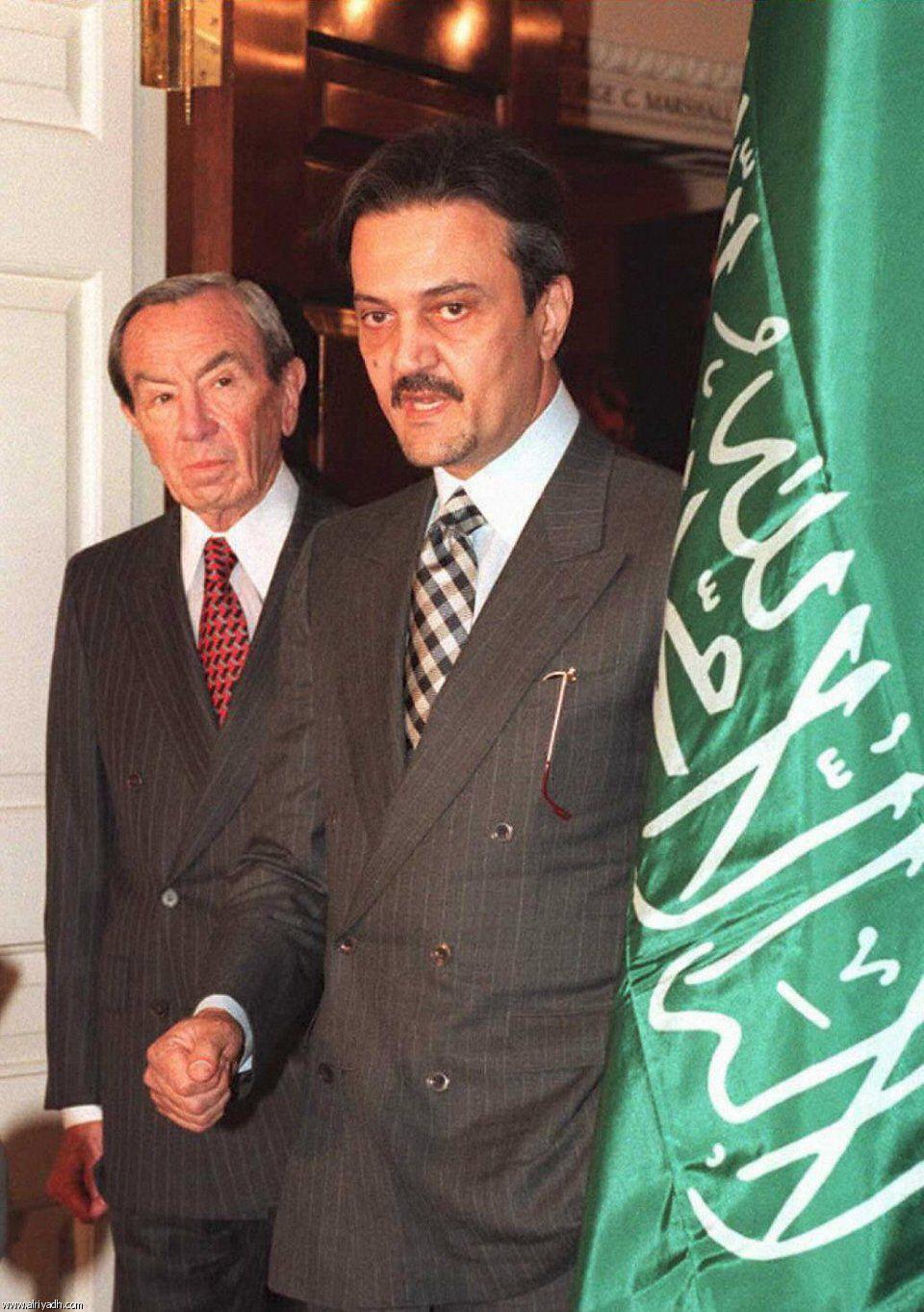سعود الفيصل Saudi Men Saudi Arabia Culture Arabian Beauty