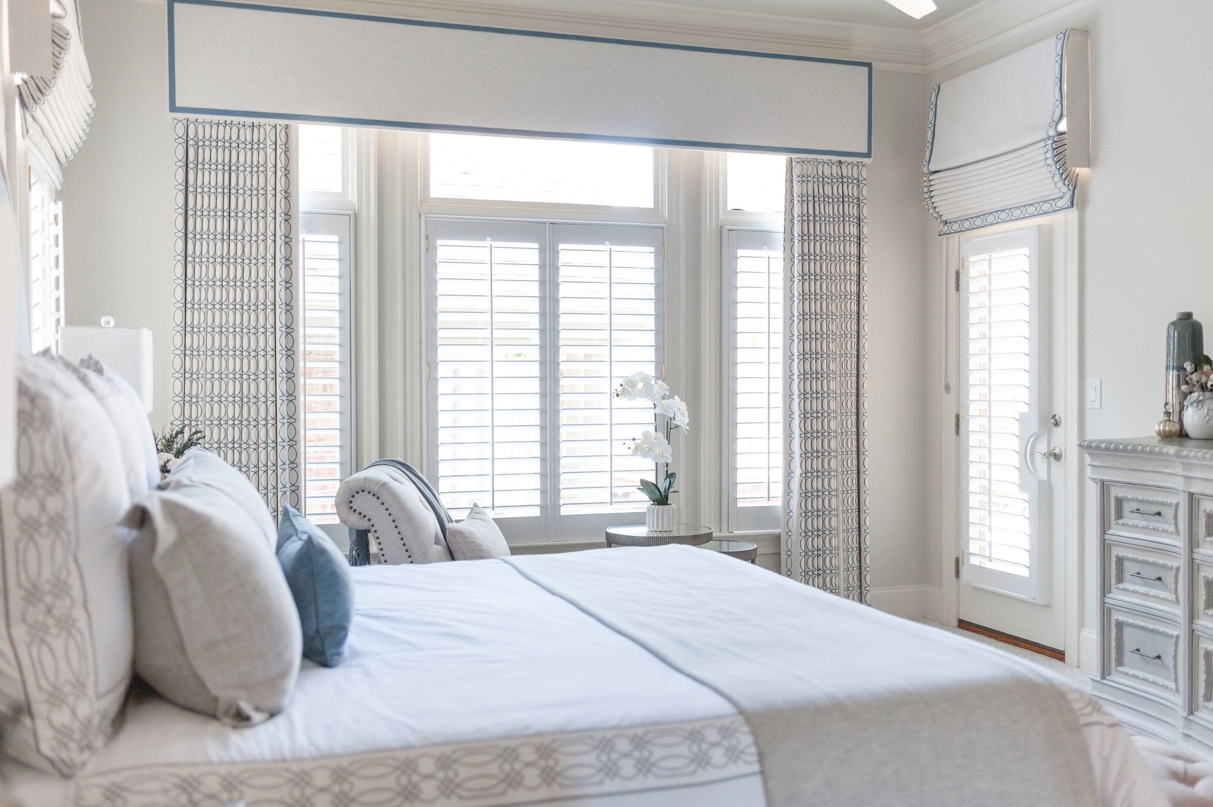 Sweet Dreams Are Made Of Beautiful Transitional Bedrooms Like This One By Sara Lynn Brenn Transitional Bedroom Design Transitional Decor Bedroom Bedroom Design Beautiful transitional master bedroom